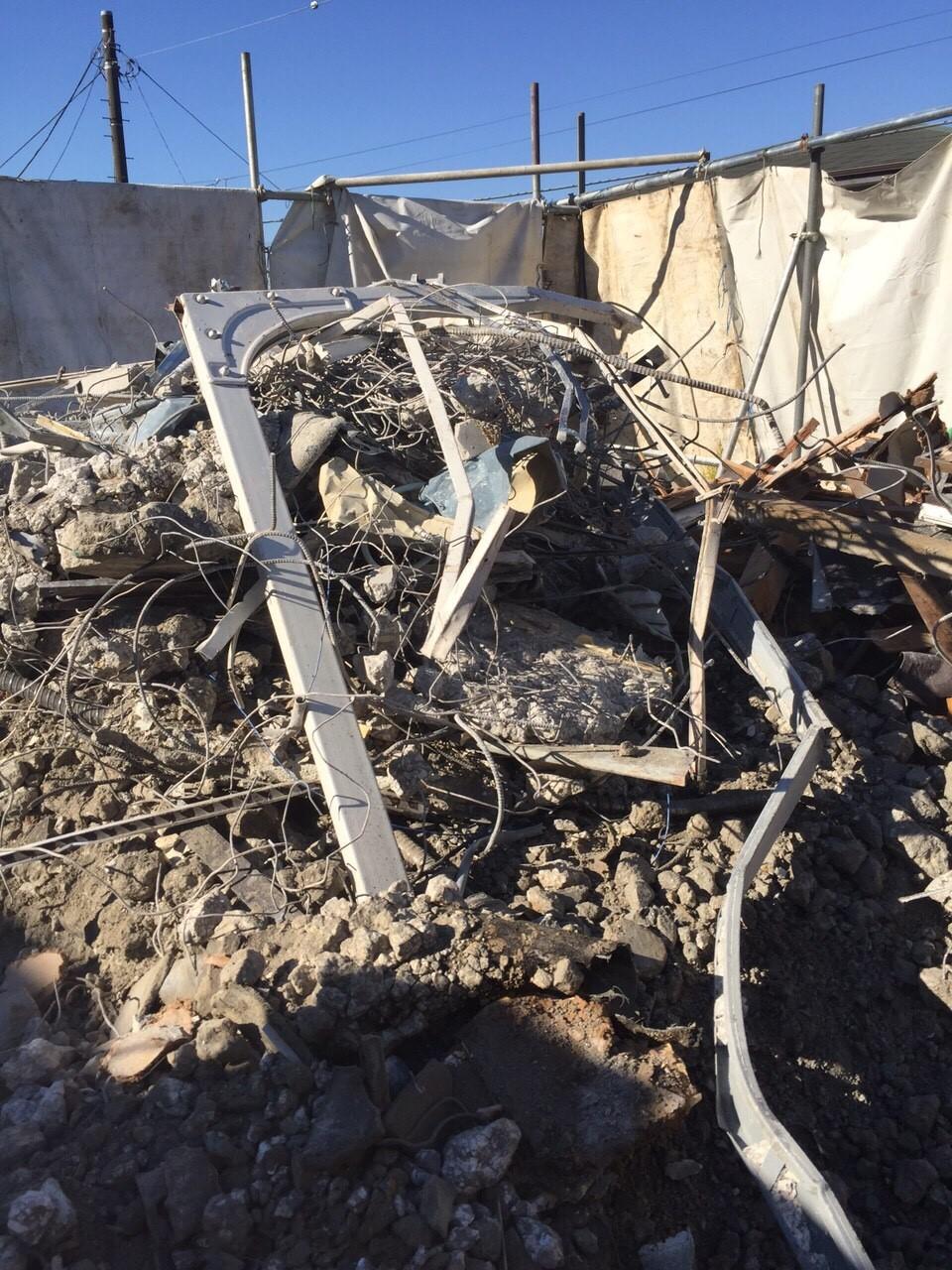 解体後の瓦礫の写真