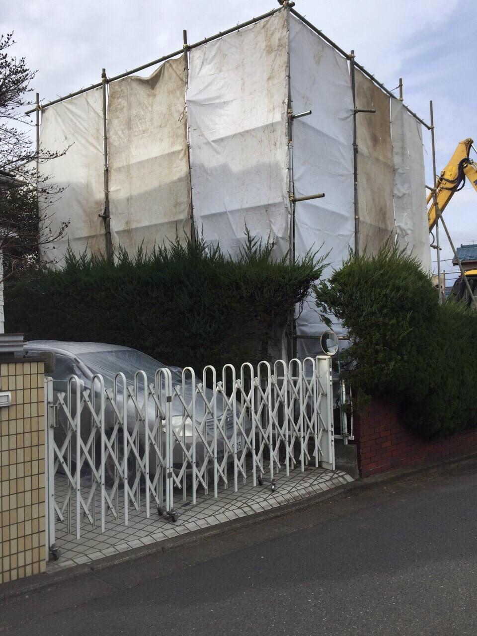 防護壁組み立ての様子
