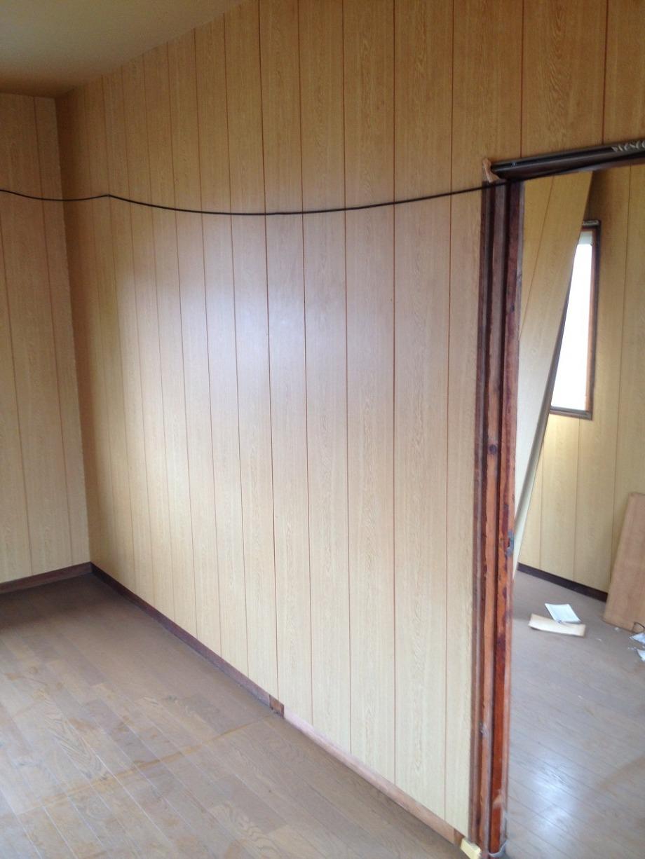 室内特殊消臭洗浄・原状回復工事の様子